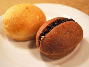 こちらはブリオッシュ生地のクロッカンショコラ。 パンの中に金箔が入っているなんてなんだか贅沢でうれしい気分になってしまいます!