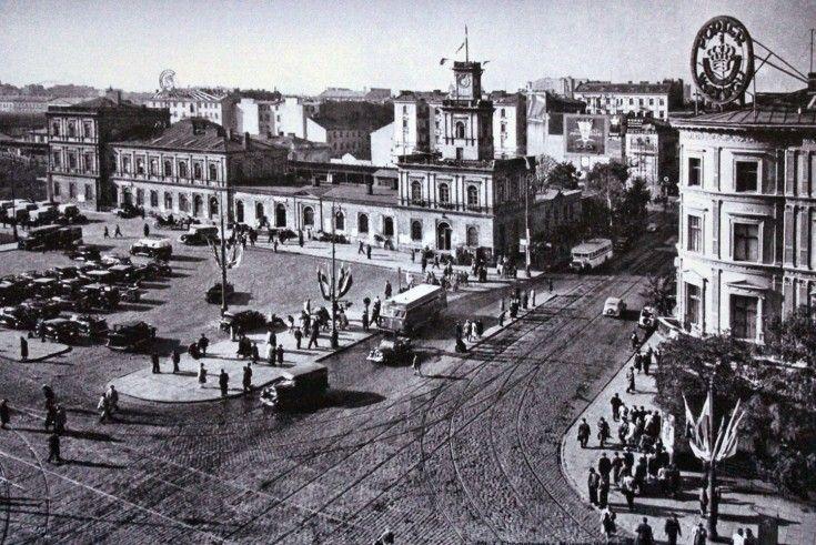 Skrzyżowanie Marszałkowskiej z Al. Jerozolimskimi w roku 1939.