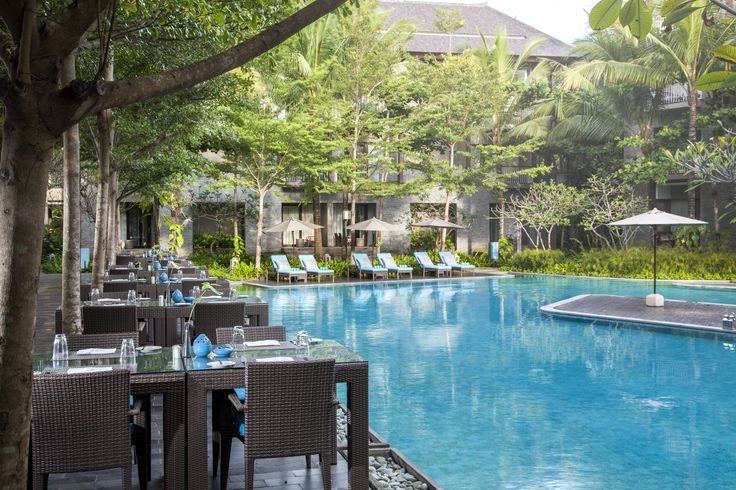 #Breakfast #Lunch #Dinner #Marriott #Bali #CourtyardBali @CourtyardNusaDua #Pool #Restaurant