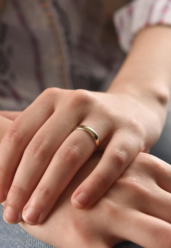 14k Solid Yellow Gold Band 4 Mm Classic Wedding Band Rounded Dome Ring Plain Wedding Band Women S Wedding Ring White Gold Wedding Band 14k Gold Wedding Band White Gold Wedding Bands