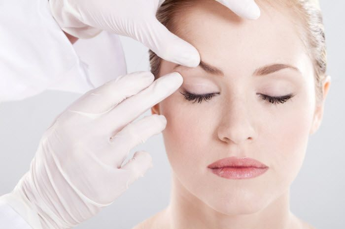 Droopy eyelids - eye opening tips to remedy those pesky upper lids.