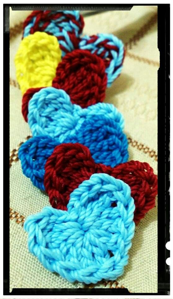 Mini heart pin #crochet