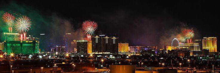 https://flic.kr/p/CyUjHu | Las Vegas New Year's Eve Fireworks | New Year's Eve Fireworks Las Vegas, Nevada 12/31/2015
