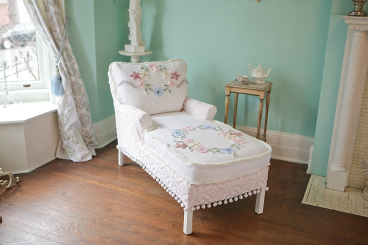 chaise lounge shabby chic vintage chenille bedspread slipcover cottage prairie roses white pink. Black Bedroom Furniture Sets. Home Design Ideas