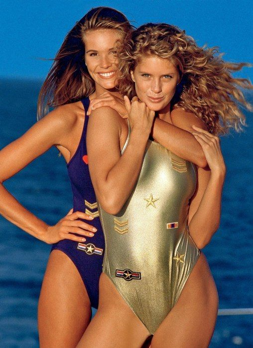 Elle Macpherson and Rachel Hunter posing for the 1991 issue. | www.eklectica.in