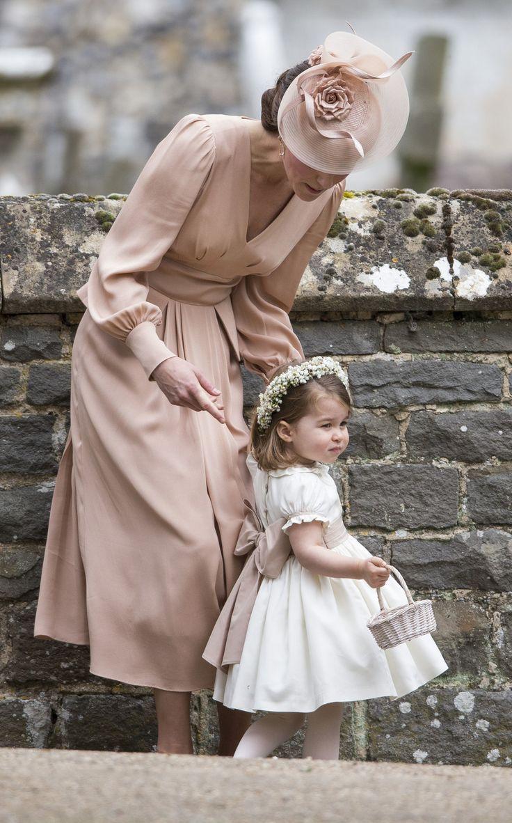 ENGLEFIELD GREEN ANGLETERRE  20 MAI: Catherine Duchesse de Cambridge et Princesse