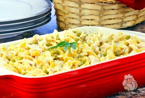 Запеканка из макарон с курицей и зеленым горошком http://www.anymenu.ru/zapekanka-iz-makaron-s-kuricej-zelenym-goroshkom/  Запеканка из макарон с курицей и зеленым горошком — это очень вкусное и сытное блюдо, в зависимости от ваших предпочтений, куриное филе можно отварить, обжарить или запечь в духовке. Это блюдо больше всего придется по вкусу детям. Смело включайте его в детское меню! Состав: Паста фузилли или пенне — 225 гр. Соус бешамель — 200