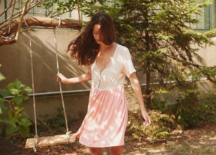 Robe courte saumon et imprimé Pink Flower  http://www.leinboho.com/produit/robe-courte-pink-flower/