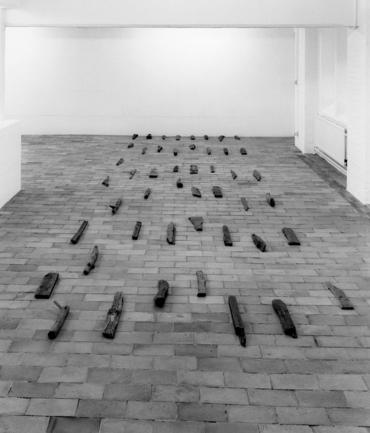 Richard Long: Driftwood, 1975. Herbert Foundation, Gent.