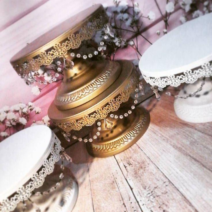 Buenos días ! Nuevo modelo de pie de pastelería. Puedes elegirlo en cualquier tono son artesanales. Obtener set en 25 y 30 cm de diámetro a un precio promocional. !!!! Abrimos lista de agosto. #DECOHIERROESPINOLA #EVENTSTYLING #CANDYBAR #TEMÁTICA #EVENTOS #VINTAGE #GOLDCAKESTAND #eventstyling #irondecorations #candy #ironcakestands #mesadulce #cumpleaños #candybar #temática #decoração #eventos #candycart #romantic #GOLDCAKESTAND #goldstands