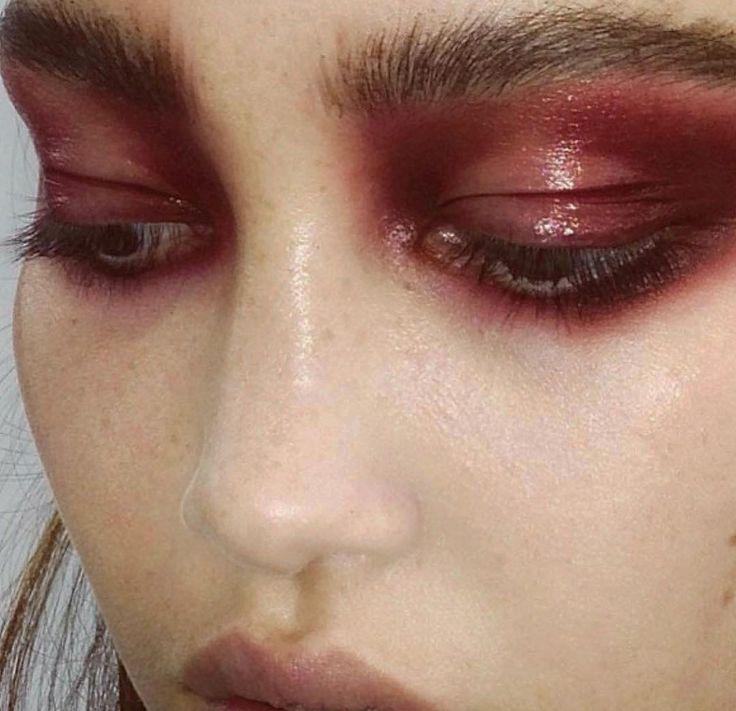 Red Berry makeup as inspiration for Casadei FW17 Blade collection. #Casadeiworld