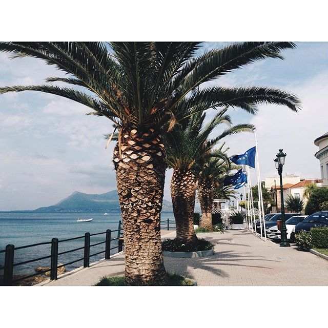 【sashok_pirozhok】さんのInstagramをピンしています。 《#✈️ #Athens #Greece #Vacation #Recreation #Journey #Joy #Happiness #Mood #Island #Sea #아테네 #그리스 #휴가 #휴식 #여행 #기쁨 #행복 #기분 #바다 #Афины #Греция #Отпуск #Отдых #Путешествие #Море #雅典 #希腊 #度假 #度假 #海》