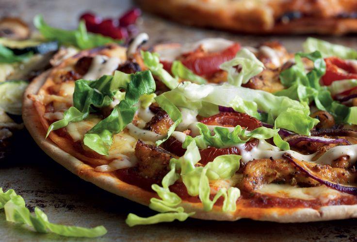 Kebabpizza med kyckling och röd jalapeño