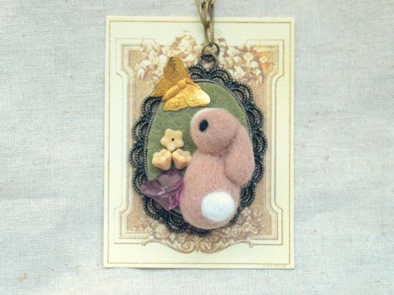Needle felted bunny necklace / pendant handmade by NozomiCrafts
