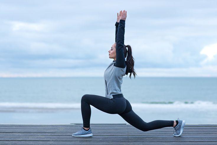 Her er 5 yogaøvelser, som du kan lave lige præcis, når det passer dig. Med øvelserne kan du sno dig uden om en række klassiske løbeskader og samtidigt blive en bedre løber.