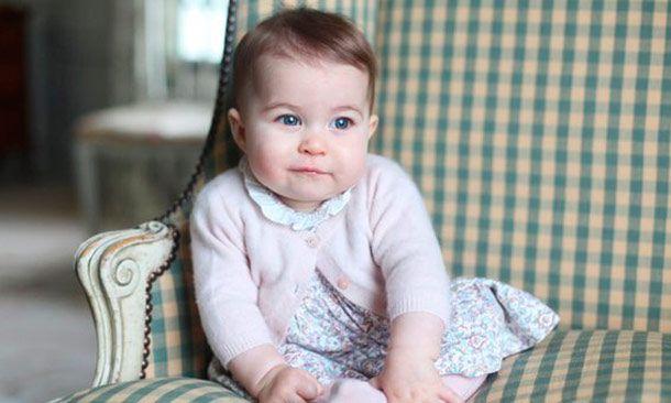 Inician los festejos del primer cumpleaños de la Princesa Charlotte con una flor creada en su honor