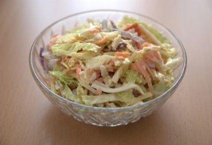 Ementális kelkáposzta saláta