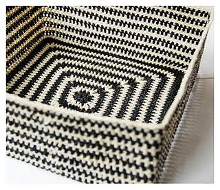 Crochet Box - not in English but look for link to the Ravelry post which is in English and includes a description of how to make this #crochet #box #basket