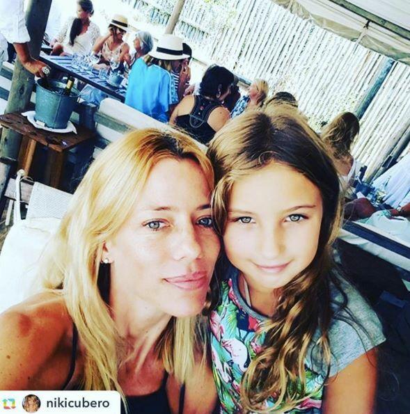 · Nicole Neumann con las más lindas by Queen Juana ·
