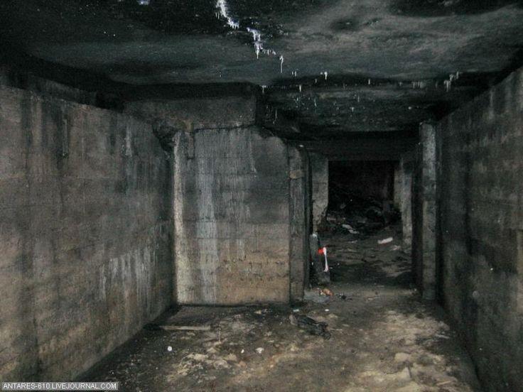 Kunt u zich zelf een nacht binnenkant van die uitgaven voorstellen? Honderd jaar geleden had ze geen licht, geen elektriciteit hier. En sommige gevangenen bleef hier jarenlang de!