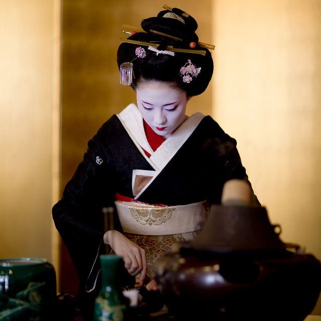 Tea ceremony of Kitano Odori #2 by Onihide, via Flickr