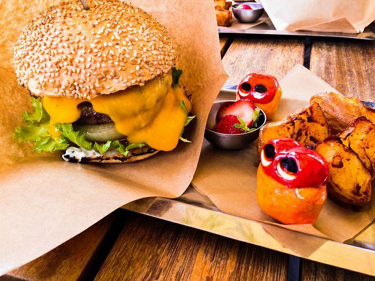 Jiyugaoka Burger : Jiyugaoka Cheese burger Set Jiyugaoka cheese burger is all organic ingredients, that are thick sliced onion, lettuce , cheese , beaf meat pate ,tomato. And for set, there're potatoes and strawberry. Read more at http://garapadish.com/2014/05/06/cheese-hamburger/#db44t6SkLl3kaDzR.99 #food #foodie #yummy #foodpic #nomnom #humburger #bueger #cheese #Japan #tokyo #yum #foodporn #nom