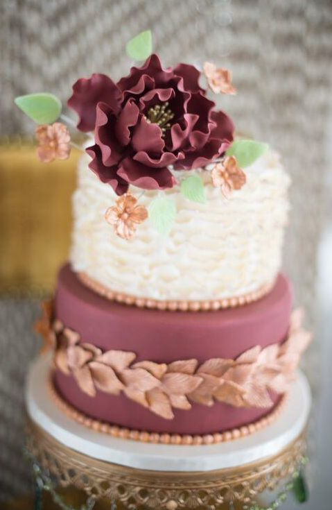 Wedding cake idea; Featured Photographer: Abby Jiu