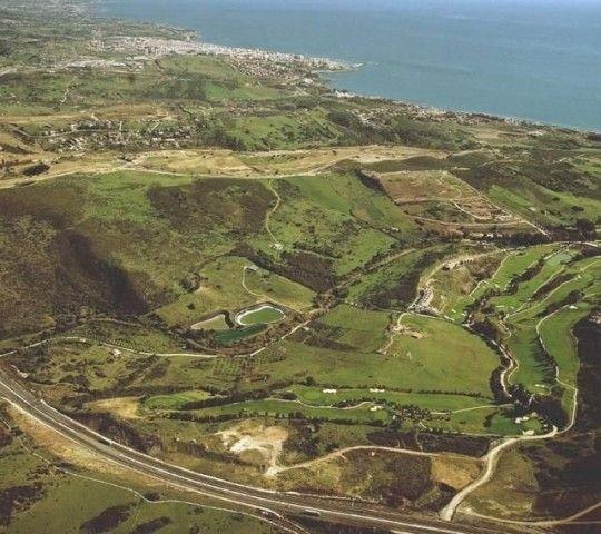 Land for sale in Estepona, Málaga, Spain in Estepona, Andalucía, Spain   ZOVUE