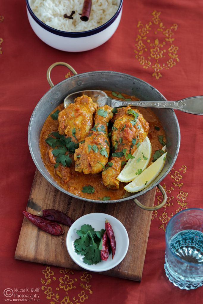 Bollywood Cooking: The Basics of an Indian Chicken Curry