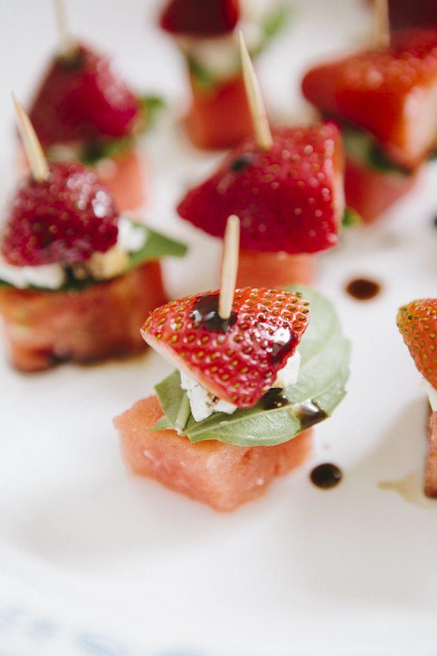 Oh-so-very-pretty-watermelon-strawberry-appetizer-9