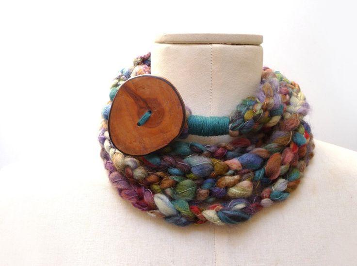 Sciarpa collana ad anello in lana verde viola blu di ixela su DaWanda.com
