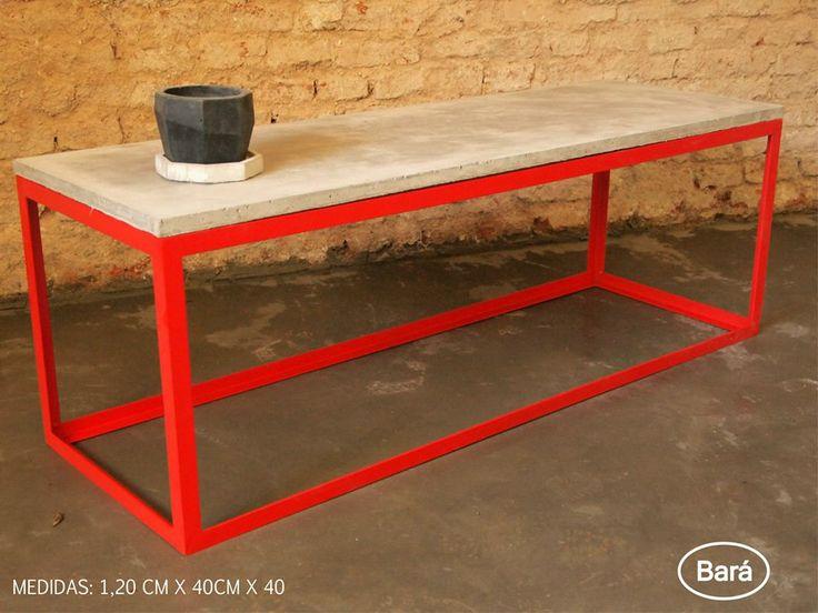 Mesa de hierro y tapa de cemento