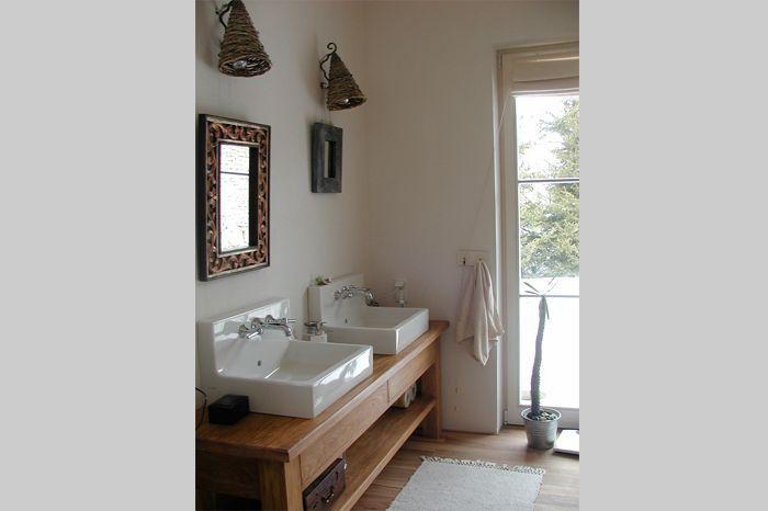 Aranżacja łazienki wystrój rustykalny w kolorach biel, brąz - projekt wnętrza #4506508, Homplex