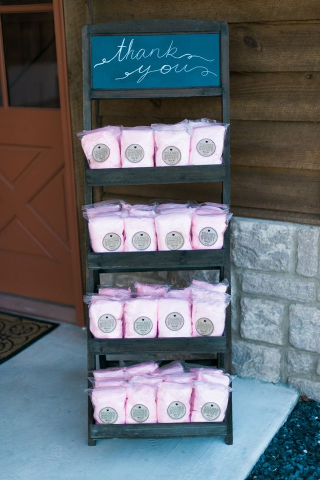 Cotton candy wedding favors!