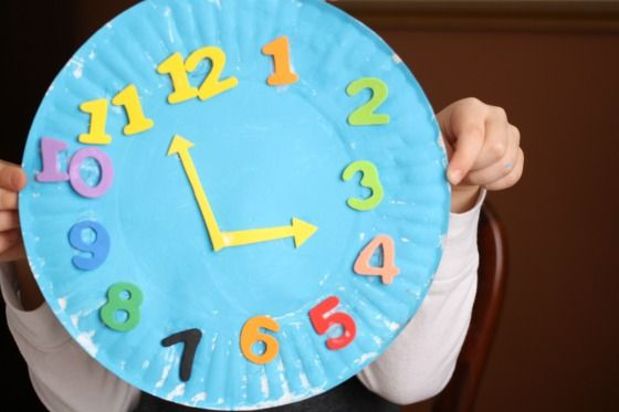 Paper Plate Clock Craft - Great way for little ones to practice number recognition, number ordering and telling time. - Happy Hooligans