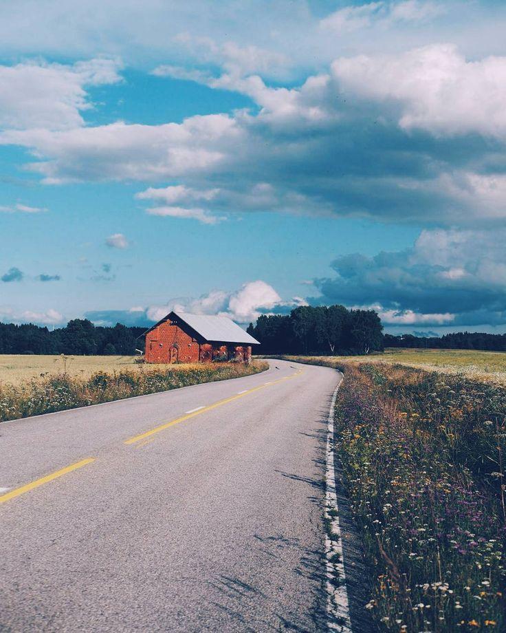 Evening drive . . . . . . #porvoo #finland #visitfinland #countryside #summerevening #home