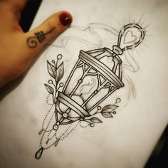 """sketchaway #tatuadoras #tattoosp #nagian #crosstattoo #crosstattoostudio #lamp…"