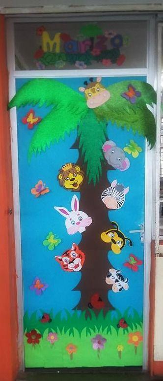Puerta decorada del mes de marzo puertas preescolar for Puertas decoradas de navidad para preescolar