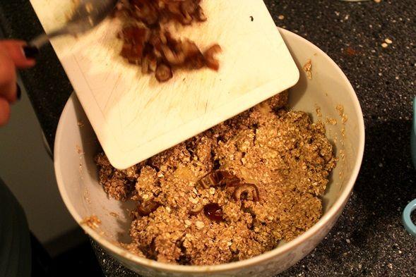 Recept: Super makkelijk zelf mueslirepen maken! (Zonder suiker, boter en bloem) - FitbeautyFitbeauty