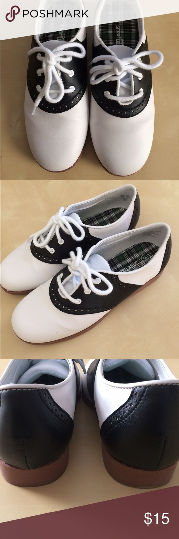Classic Girl's Saddle Shoes - Saddle Oxfords Classic girl's saddle oxfords Shoes