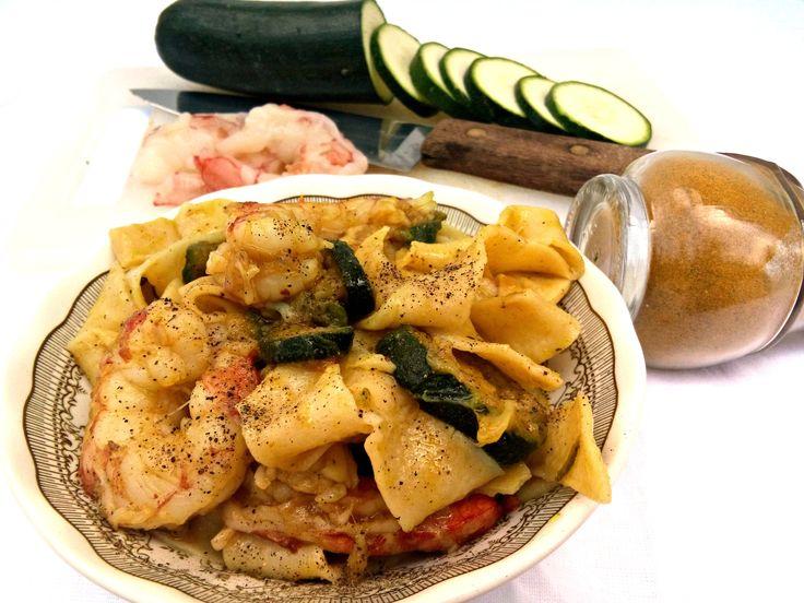Pasta fresca alle zucchine,gamberi e curry