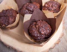 Kinderen meer groenten laten eten? Deze chocolade courgette muffins zijn heerlijk en kinderen zullen niet eens merken dat ze courgette aan het eten zijn. www.eatpurelove.nl