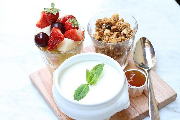 Granola Yogurt and Fruit Salad