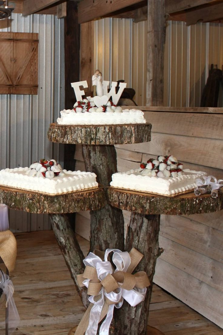 Rustic cake table for weddings near Decatur, Al. www.valleyviewbarnweddings.com  use my 3 part table