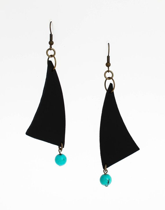 Boho earrings - dangle turquoise earrings - turquoise beaded earrings