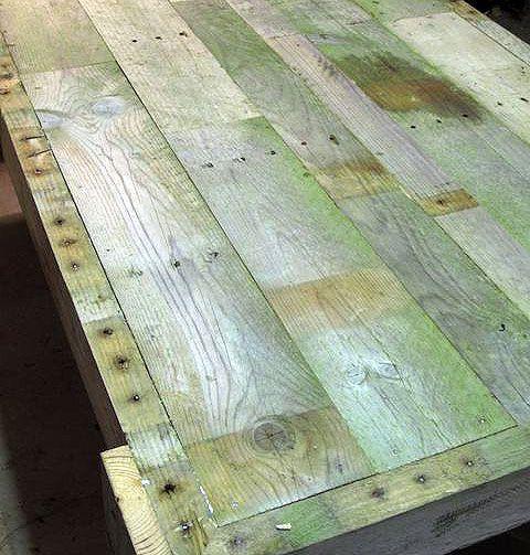 Как сделать стол из поддонов (9)