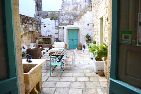 Dai un'occhiata a questo fantastico annuncio su Airbnb: Salento Guesthouse B&B Suite a Carpignano Salentino