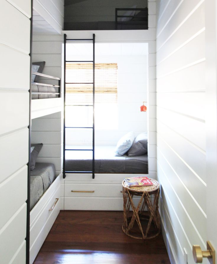 Built-in bunk beds/camp beds with hidden shelves at foot of bed Hood River Cabin Reveal! - Little Green Notebook