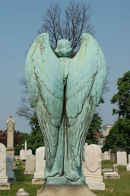 angel cemetery statue