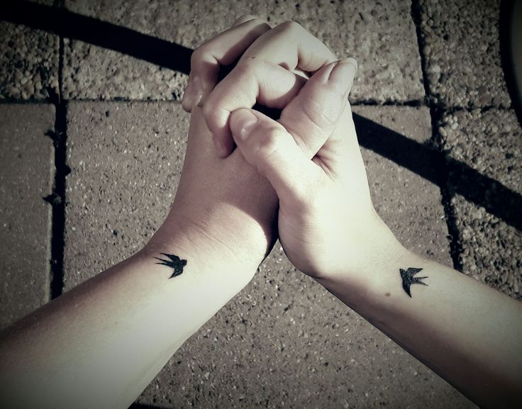Friendship tattoo ! Tiny swallow freedom loyaliteit